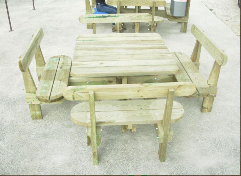 Table en bois avec banc exterieur elegant table exterieur - Table de jardin en bois avec banc integre ...