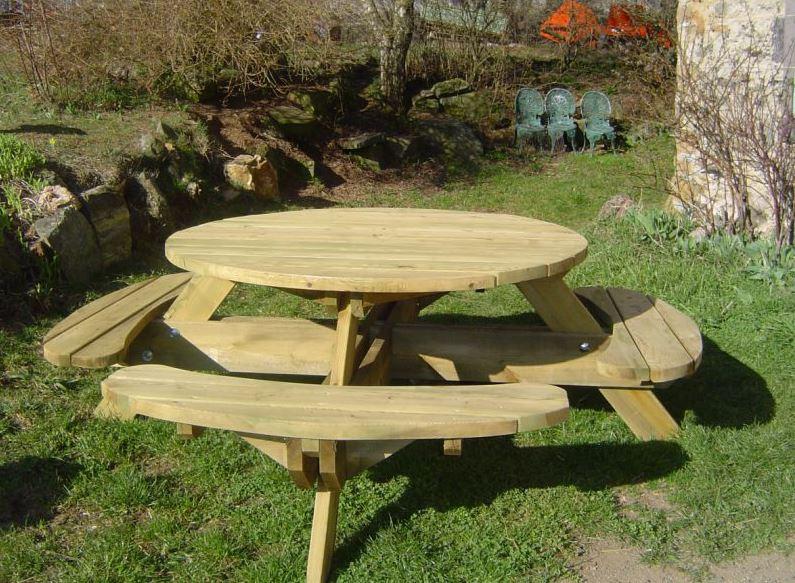 table et banc en bois pour exterieur. Black Bedroom Furniture Sets. Home Design Ideas